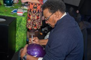 Chuck Foreman Signing